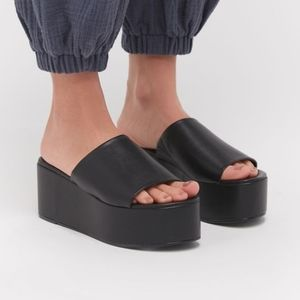 URBAN OUTFITTERS Angie Platform Slide Sandals